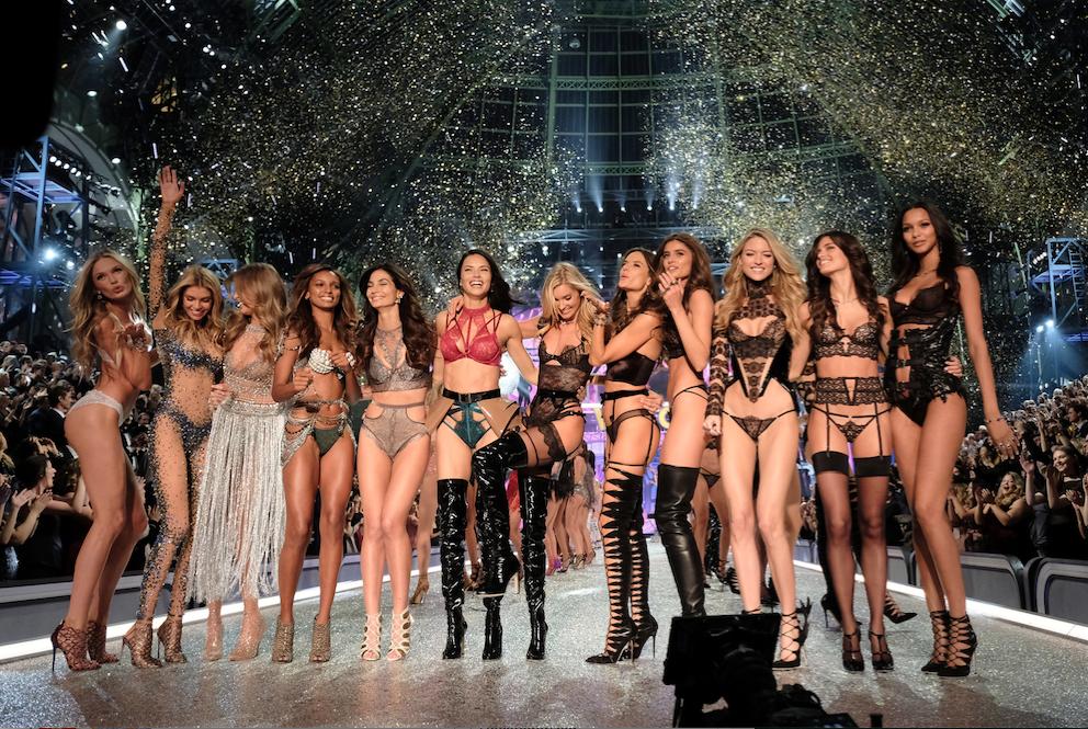 Victoria'sSecretFashionShow2016_TheArtOfBery.jpg